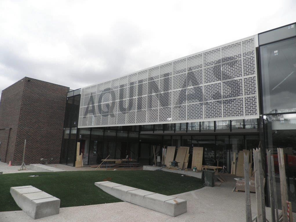 commercial fabrication, Aquinas College signage, Aquinas college sign by metfab