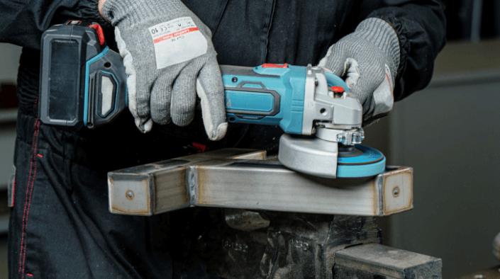 battery makita angle grinder, battery grinder, grinder in melbourne, using an angle grinder
